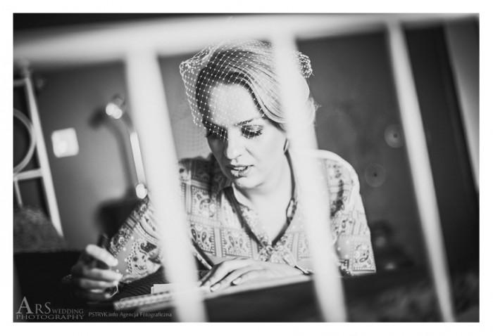 ARS1379s 700x478 Magda wybiórczo w dniu ślubu
